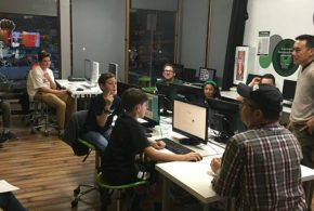 Spotlight: This Small Business Teaches Coding Skills to Young People